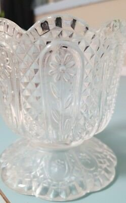AVON~DAISIES & DIAMONDS DESIGN~CLEAR GLASS CANDY Bowl Dish~SCALLOPED RIM