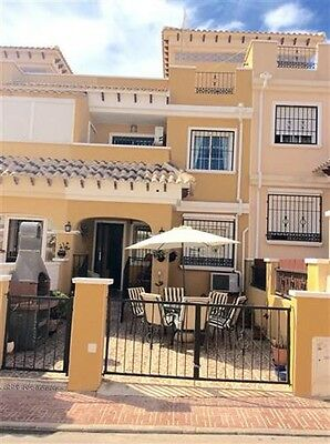 3 Bed, 3 Storey Townhouse Holiday Rental