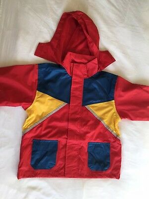 Kids Fadshion Rain Jacket 5-6 Years Red Hooded Zip Excellent Condition (next)