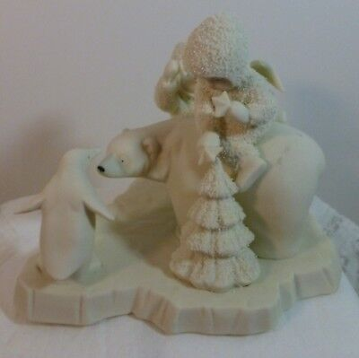 """D""Dept. 56 Snowbabies #68063 Can I Help Too? Limited Edition CHRISTMAS FIGURINE"