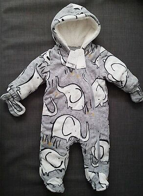 ♡ Next ♡ NEW ☆ Baby Boy ☆ Cosy Pramsuit Snowsuit All-in-one ☆ 6-9 Months ☆ Xmas