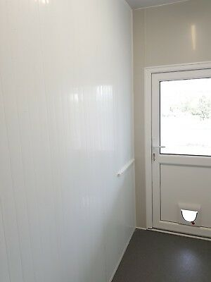 Kennel and cattery wall partitions in white and grey