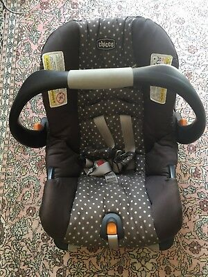 Chicco Keyfit 30  Grey Polka Dot Infant Car Seat with Base