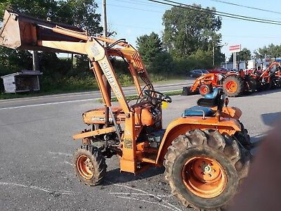 Kubota Tractor loader 19 HP diesel 4x4 HST power steering 3 pt used compact