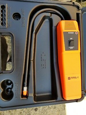 Robinair TIFXL-1A Refrigerant Leak Detector With Case