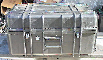"PELICAN Case with foam & WHEELES AND HANDLE 28"" X 18"" X 15"""