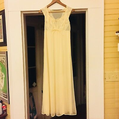 Vintage Midcentury Shadowline Lace/Chiffon Sheer Cream Bridal Peignoir/Nightgown