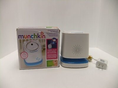 Munchkin Nursery Projector with Nightlight and Three Images