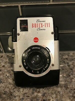 Vintage Kodak Brownie Bull's-Eye Camera/Parts w/ Twindar Lens