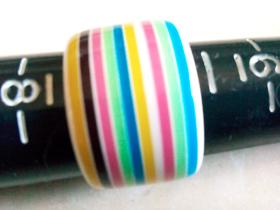 1970'S MOD POP RING!Eye Catching Mid Century Plastic.A Rainbow Of Beauty!