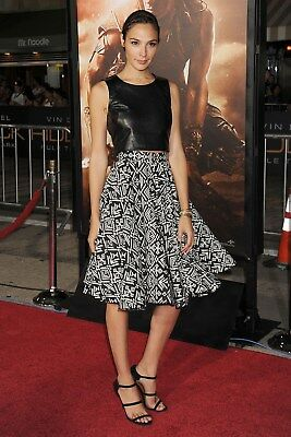 GLOSSY PHOTO PICTURE 8x10 Gal Gadot Posing With Skirt