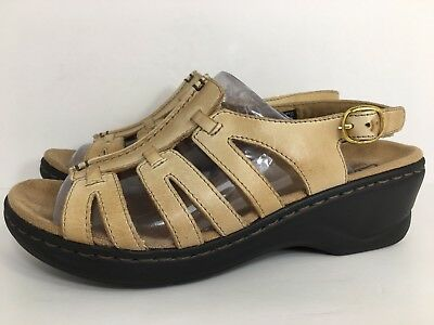 a97fb8590d3 CLARKS BENDABLES LEXI Marigold Q Leather Sandal Open Toe Beige Sz 7M ...