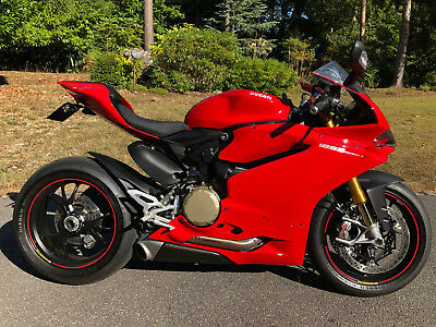 Ducati 1299S Panigale V Twin 93 Miles only from new!
