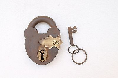 Antique Old Crown Engraved VR Patent Iron Padlock With Original Key NH3458
