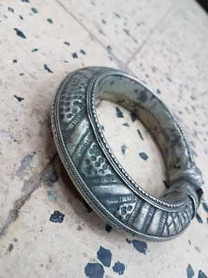 ANTIQUE SILVER ETHNIC MIDDLE EASTERN Yemeni Tribes BRIDAL NICE 64 gm .