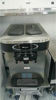 Taylor Crown 3 Flavor, Water Cooled Soft Serve/Fro-Yo Ice Cream Machine C723-33