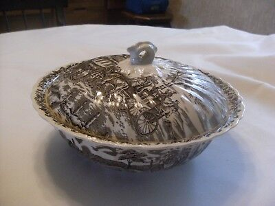 Myott Royal Mail 9 Inch Round Covered Vegetable Dish