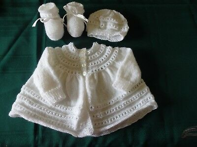 NEW - Hand knitted 3 piece set, white, 000
