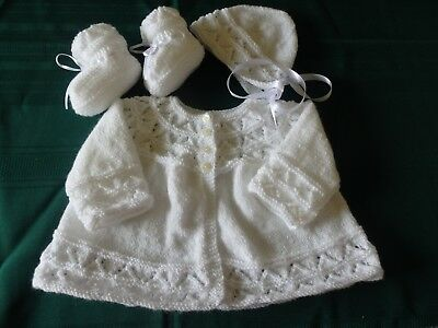 NEW - Hand knitted 3 piece baby set - white 000