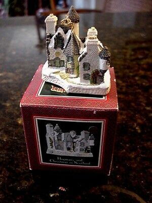 David Winter 1988 CHRISTMAS IN SCOTLAND & HOGMANAY Cottage CHRISTMAS ORNAMENT