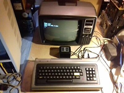FUNKTIONIERENDER RADIO SHACK TRS-80 Model 1 Level 2 Computer OHNE MONITOR RAR