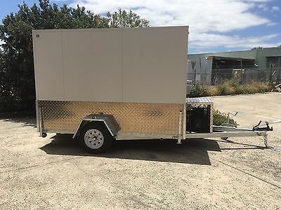 . 10 x 6 Foot - Mobile Trailer - Brand New Portable Walk In Cool Room