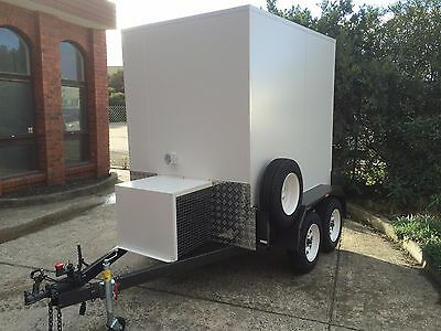 . 7 x 5 Foot - Mobile Trailer / Portable Walk In Cool Room