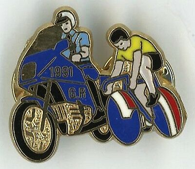 Pin's Gendarmerie Tour France 1991 Garde Rep + Jaune