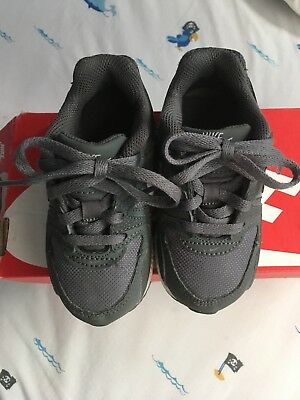 sports shoes 656d7 4fa19 Boys Nike Air Max Command Trainers Infant Size 6.5