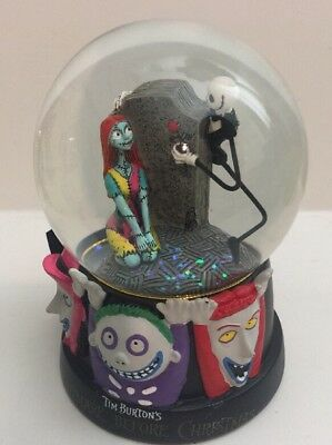 nightmare before christmas snow globe celebrating love westland jack sally 25205 - Nightmare Before Christmas Snow Globes