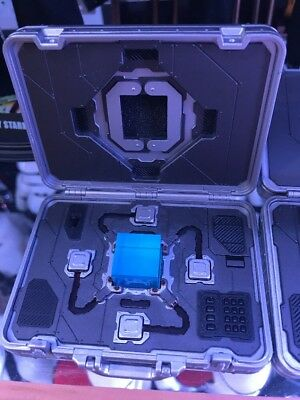 Hot Toys MMS 169 The Avengers Nick Fury 1:6 Figure Tesseract And Case Only Loose