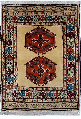 Tapis Persan Traditionnel Oriental hand made  88 cm x65 cm  N° 32