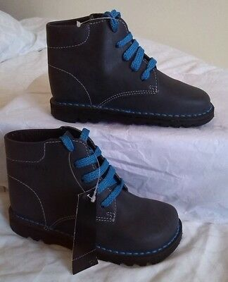 New  Boys Grey Ankle Hi top Lace-Up Leather Boots. Size Kids 5, 6, 7,  8, 9 & 10