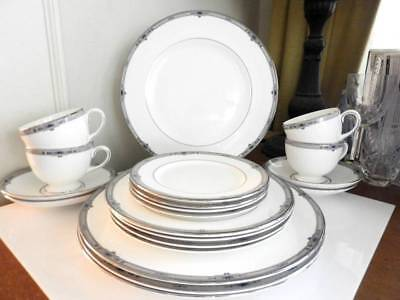Wedgwood AMHERST 20 Piece Set / Service for Four (4) MADE IN ENGLAND - MINT!