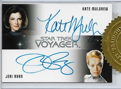 STAR TREK VOYAGER Heroes and Villains Dual Autograph Kate Mulgrew - Jeri Ryan