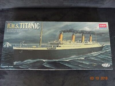 Academy RMS Titanic 1/600 in OVP