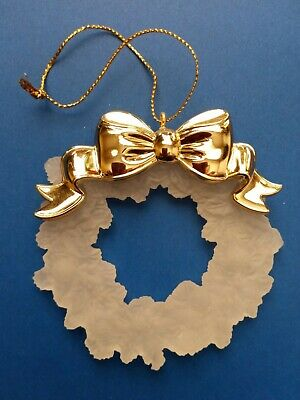 Avon Gift Collection Ornament-Acrylic Wreath With Gold Bow -Holiday Reflections