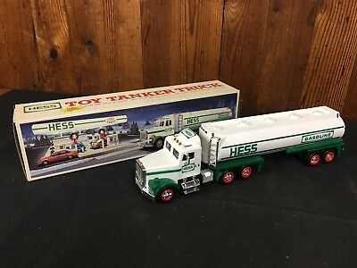 1990 HESS TRUCK - TOY TANKER TRUCK w/ SOUND - NEW IN BOX