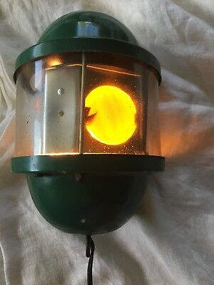 Vintage Rotating Revolving Trippe Welcome Light Lamp Beacon