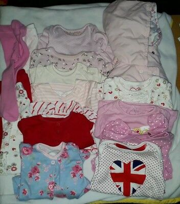 Girls used Clothing Bundle, Newborn to first size, 17 items