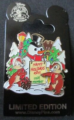 Disney-Happy Holidays Chip & Dale LE 1250 PIN