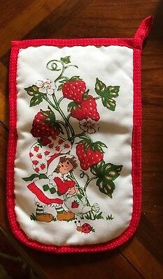 Vintage Red and White Strawberry Shortcake oven mitt American Greetings 1980