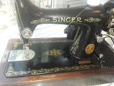 Singer 1926 Sewing Machine with wooden case parts/repair