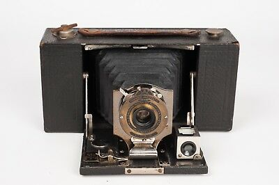 Kodak Nº 2 folding pocket Brownie Model B