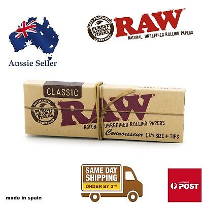 RAW Classic Connoisseur Regular 1 1/4 Rolling Papers + Tips