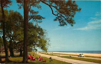 Mississippi Gulf Coast, MS, Highway 90, Gulf of Mexico, Old Cars, Postcard b5663