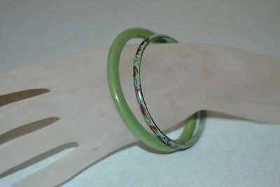 Lot of 2 bangle bracelets: 1 cloisonne in green colors and a green plastic #1025