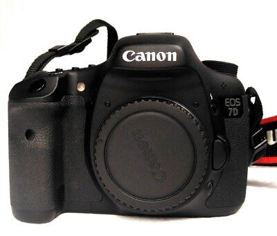 Canon EOS 7D 18.0MP - Black (Body Only) Only 2200 + Shutter counts