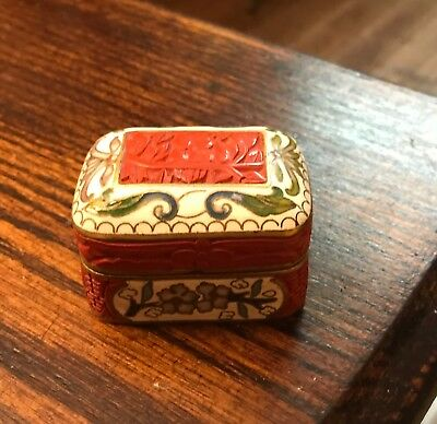 Antique Chinese Cloisonne Enamel and Cinnibar Opium / Snuff Box