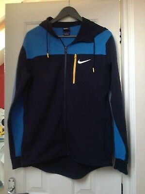 NIKE zipped hoodie, size medium. Excellent condition only worn once.
